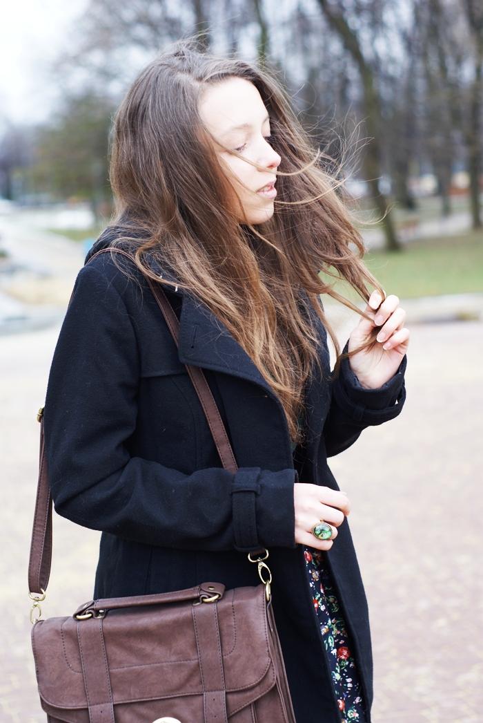 czarny klasyczny płaszcz h&M