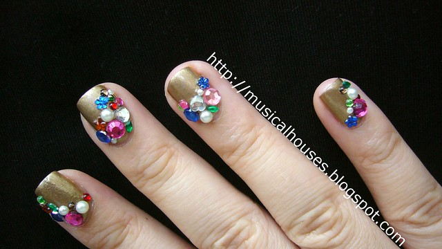 Libertine nail art gold gems jewels 3