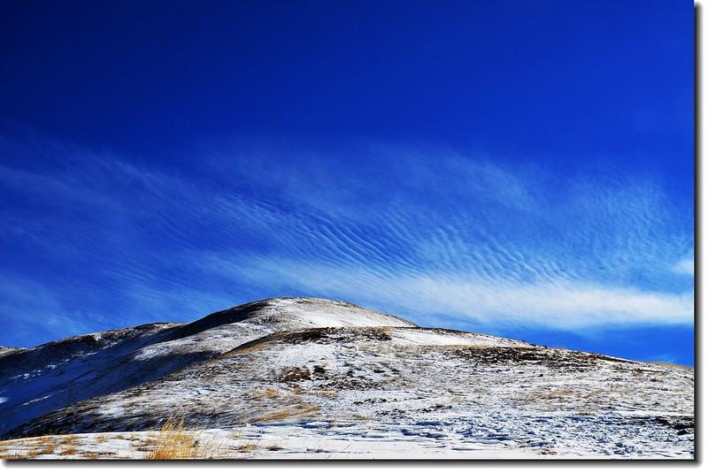 雲、雪相映成趣 1