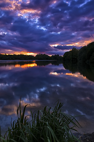 sunset lake reflection water clouds somerfordkeynes neighbridge pentaxk5