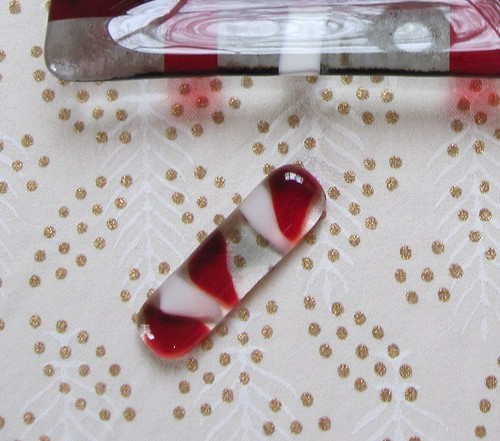 赤いモザイクの箸置き 60mmx15mm by Poran111