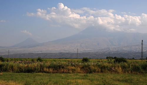 Iğdır tarafından Büyük ve Küçük Ağrı Dağı