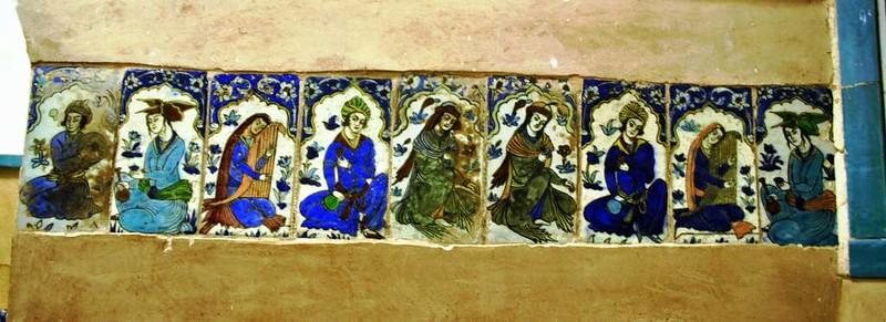 205 azulejos de los Antiguos Baños en la plaza Central de Kerman (5)