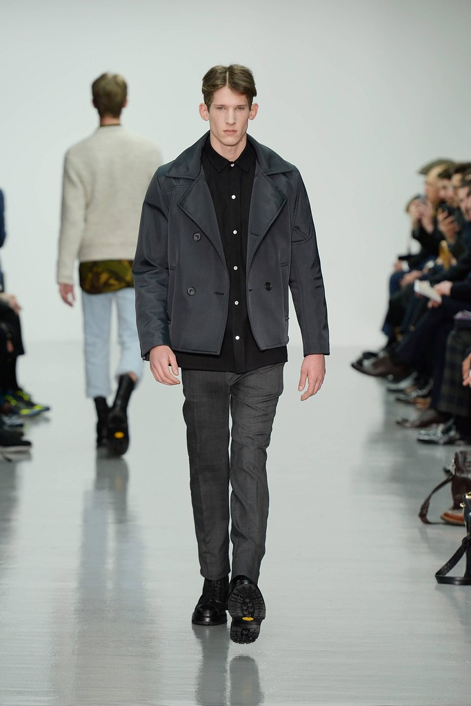 FW14 London Lou Dalton008_Botond Cseke(VOGUE)