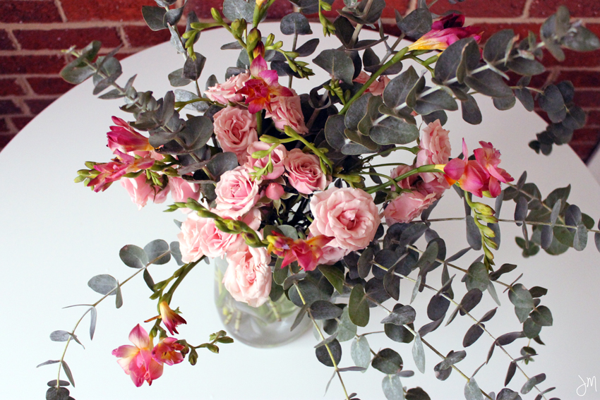 Julip Made Valentines Day easy floral arrangement6