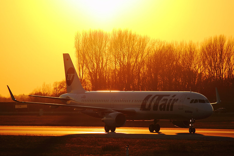 UTair - A321 - D-AVZG (2)