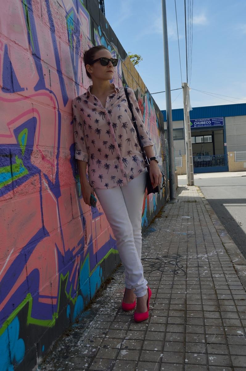 lara-vazquez-madlula-blog-style-fashion-pink-palms-white-look