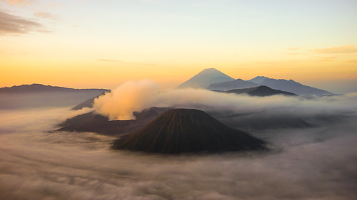 mist mountain nature sunrise indonesia landscape volcano java day smoke sony clear bromo active sonya7