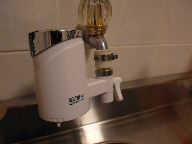 整組裝上去的樣子@ALYA歐漾龍頭式淨水器
