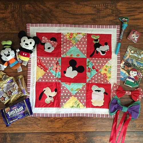 @shellyjennifer OMG!!! The most amazing #disneyquiltswap2015 package. The Fab 5 in Bonnie & Camille - awesome!! And the itty bitties - I'm in love! Thank you so much!