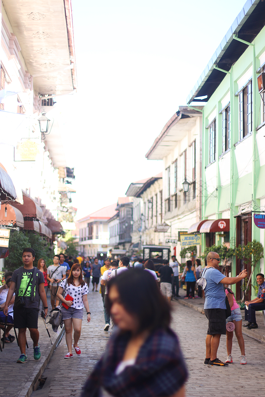 Vigan-tourists_01