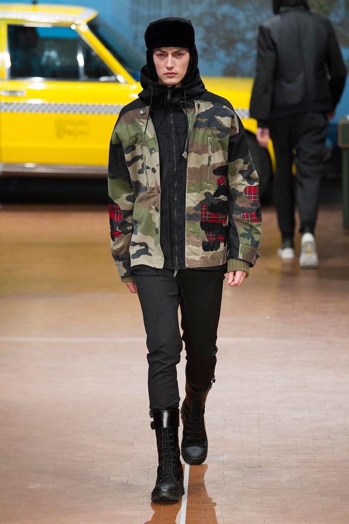 Jakob Hybholt4168_FW15 Milan Antonio Marras(fashionising.com)