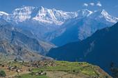 Zelt-Trekking Nepal, Rund um Dhaulagiri. Majestätisch: der Dhaulagiri-Himal über dem Myangdi Khola. Foto: Günther Härter.