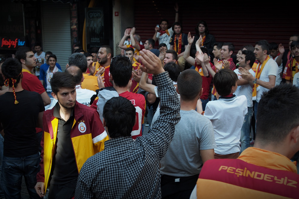 Istanbul - Galatasaray fans pre-game