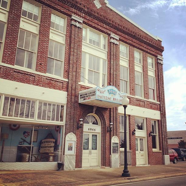the historic imogene theatre in downtown milton fl