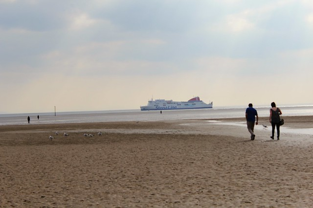 stena_line_ferry_sailing_into_liverpool