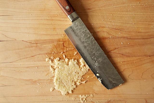 Garlic smashing from Food52