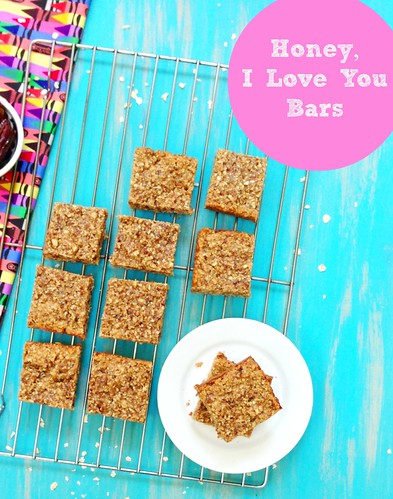 Homemade granola bars with oats, honey and dates