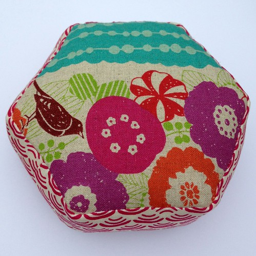 Pincushion back