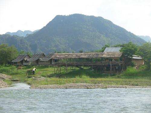 Vang Vieng-Ville-Rivière (2)