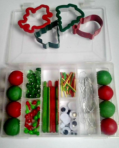 Christmas Fine Motor Playdough Kit (Photo from Racheous)