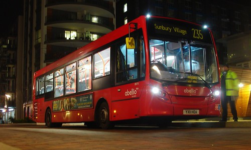 Abellio 8575 on Route 235, Brentford Great West Quarter