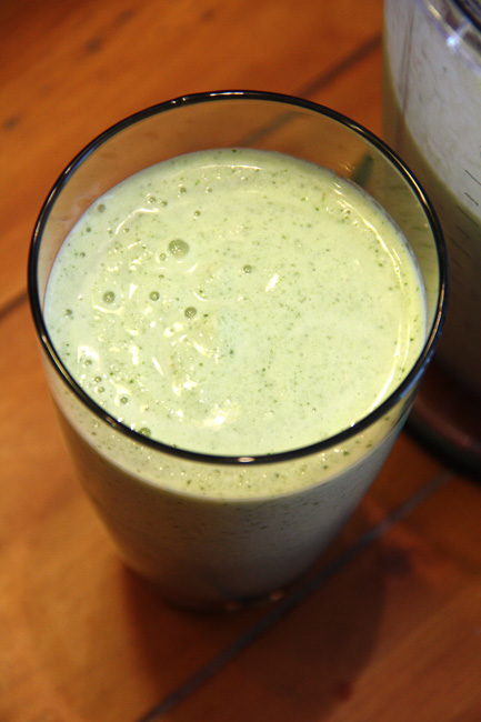 PW-Green-Smoothie-glass