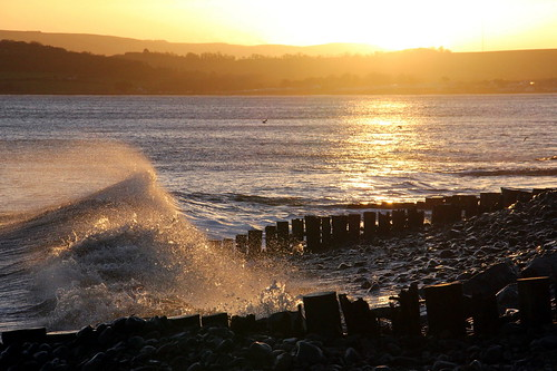 morning sunlight reflection beach water sunshine silhouette sunrise coast seaside post shoreline wave somerset pebbles spray seashore groyne f11 dunster westsomerset bristolchannel blueanchor 11250