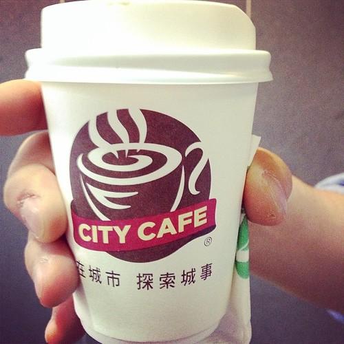 日本のセブンイレブン100円コーヒーよりずっと雑味なくておいしい台湾セブンイレブンのCITY CAFE#台湾 #台北