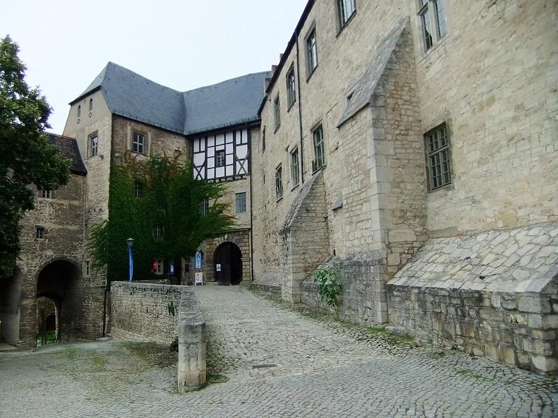 The entrance - Neuenburg Castle (Schloss Neuenburg) - Freyburg, Saxony-Anhalt, Germany