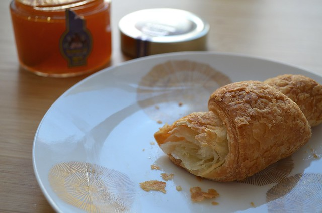 Genius Sans Gluten croissant and jam from France