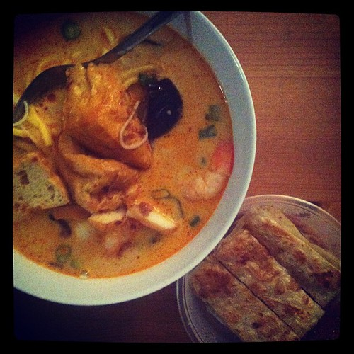 It's birthday weekend. So that means enjoying a weekend of my favourite things. Starting with laksa for dinner.