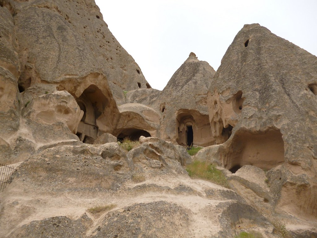 Yaprakhisar caves