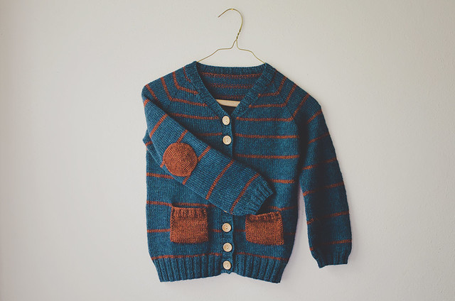 knitting: a cardigan for Andrew