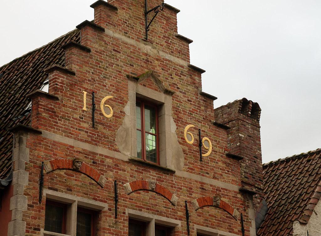 בניין שנבנה בשנת 1669 בברוז