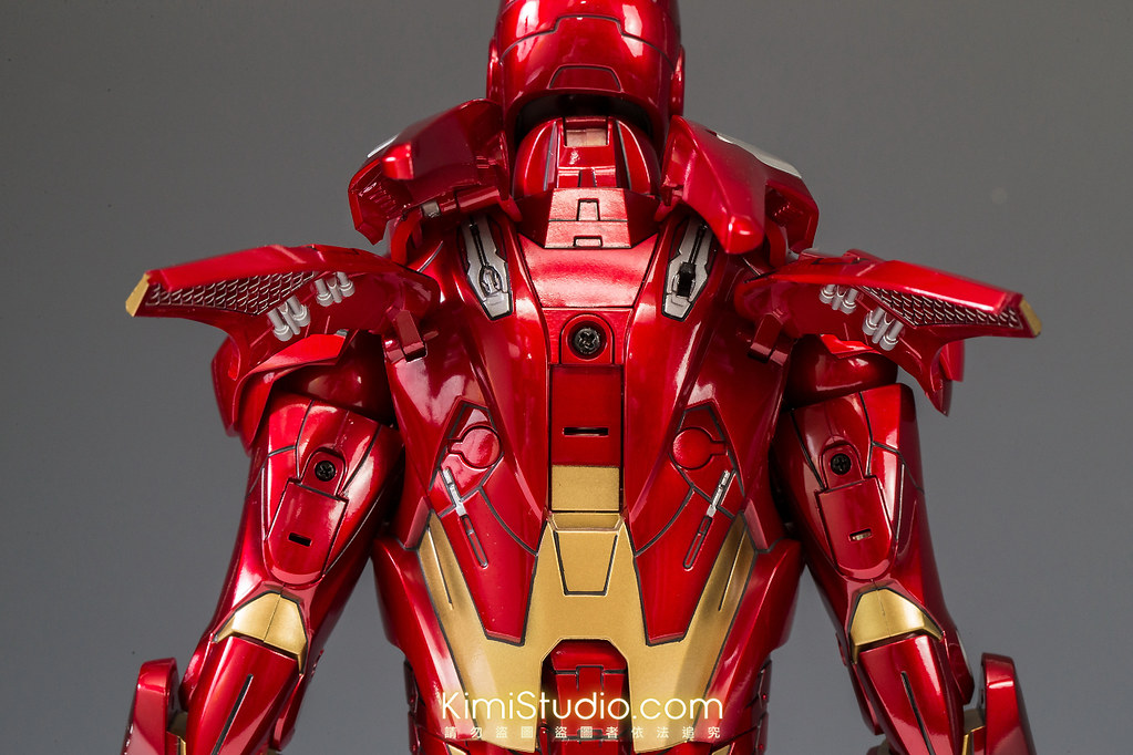 2013.06.11 Hot Toys Iron Man Mark VII-028