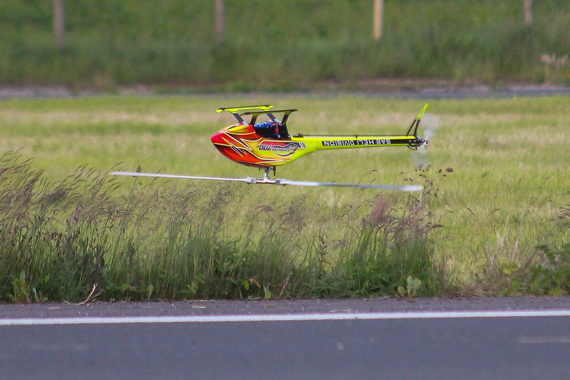 Very low inverted flying by Dave with his SAB Goblin 700