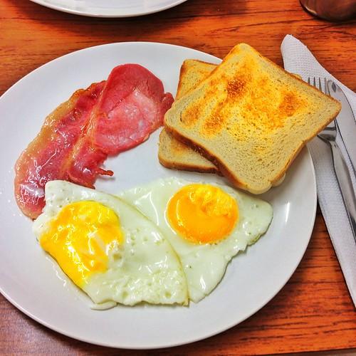 Cosa mangiare a Londra: 5 piatti tipici, quali sono e dove mangiarli