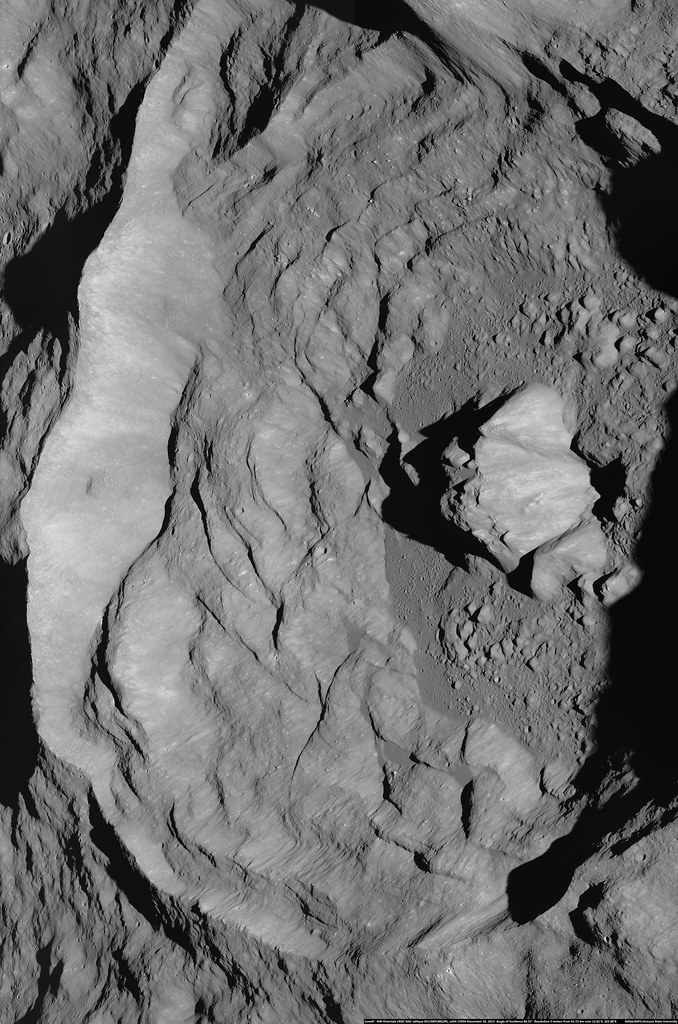 Lowell (LROC oblique)