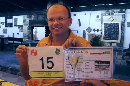 Správce běžeckých tabulek zvládl unikátní maratonský trojboj