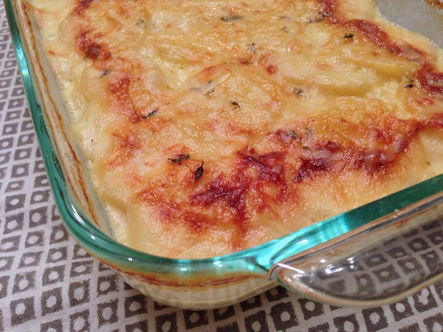 Potato gratin (pommes dauphinois)