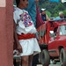 Hombre en la calle - Man in the street; Pantelhó, Chiapas, Mexico por Lon&Queta