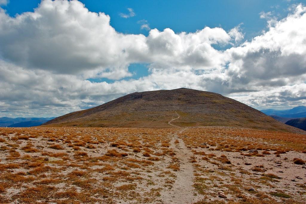 Towards Derry Cairngorm