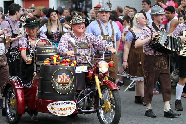 Desfile Oktoberfest - Chopp Motorradio