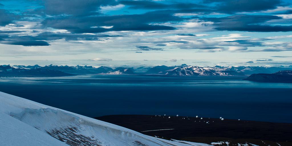 14. Isfjorden, en Svalbard. El fiordo más septentrional de Noruega. Autor, Torbjørn T