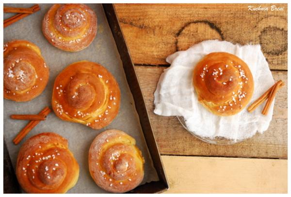Drożdżowe ślimaczki cynamonowe na śniadanie