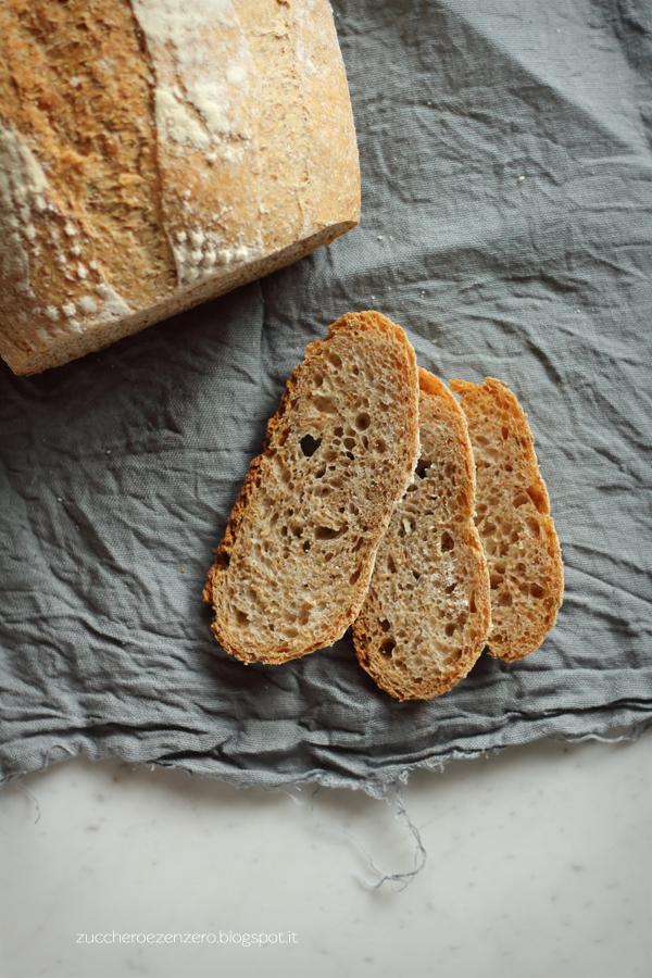 Pane integrale ai semi di finocchio
