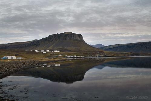 winter sunset sky reflection iceland calm ísland sjór vetur himinn hvalfjörður logn sólarlag speglun álfheiðurmagnúsdóttir sólarlagsbil