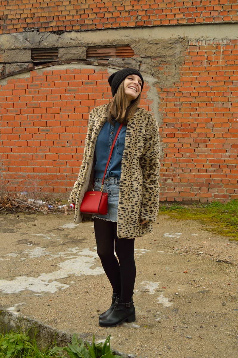 lara-vazquez-madlula-blog-leopard-coat-red-bag-fashion