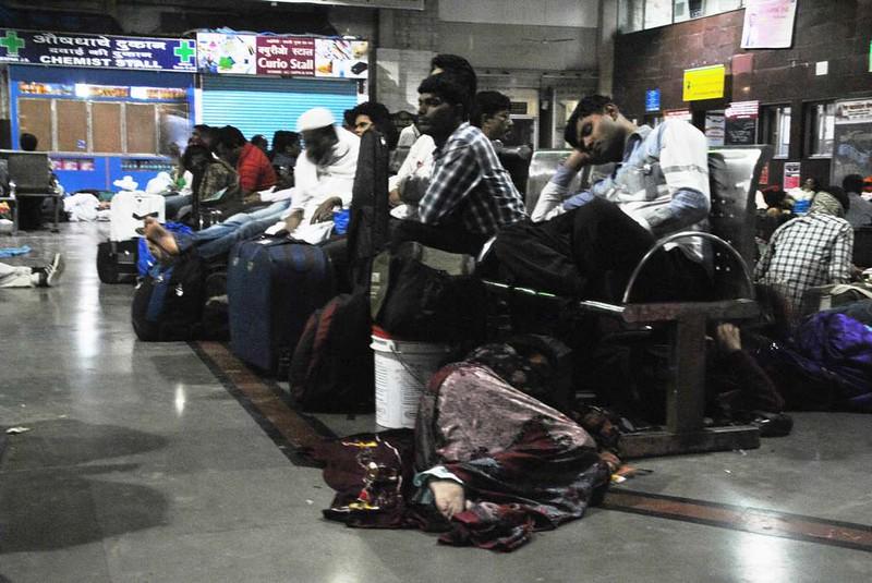 46 Estacion C.S.T. por la noche, Mumbai (114)